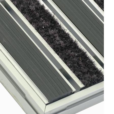 Mattensystem mit geripptem Gummi und saugfähigem Textil