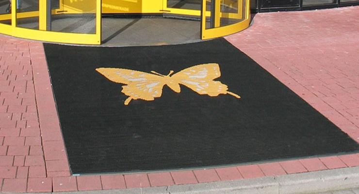 Alutrend Outdoor Logomatte aus bunten Bürsten